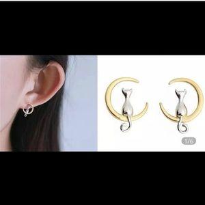 Jewelry - New super cute cat & moon earrings